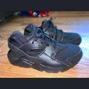 Nike huaraches Black size 1 Boys
